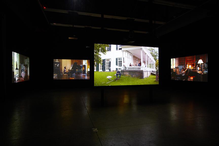 Ragnar-Kjartansson-The-Visitor-Luhring-Augustine-2013.-Installation-view-1